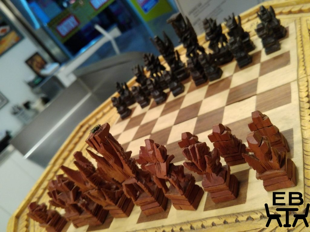 Roti chenai chess board