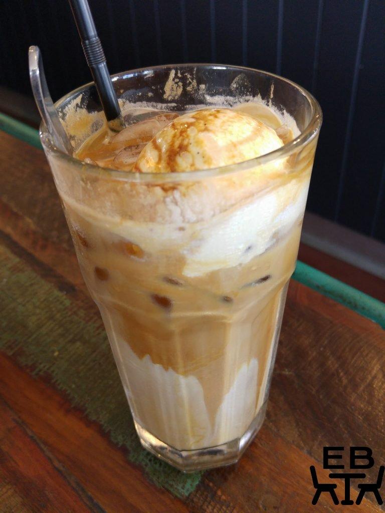 Cafe O Mai iced latte