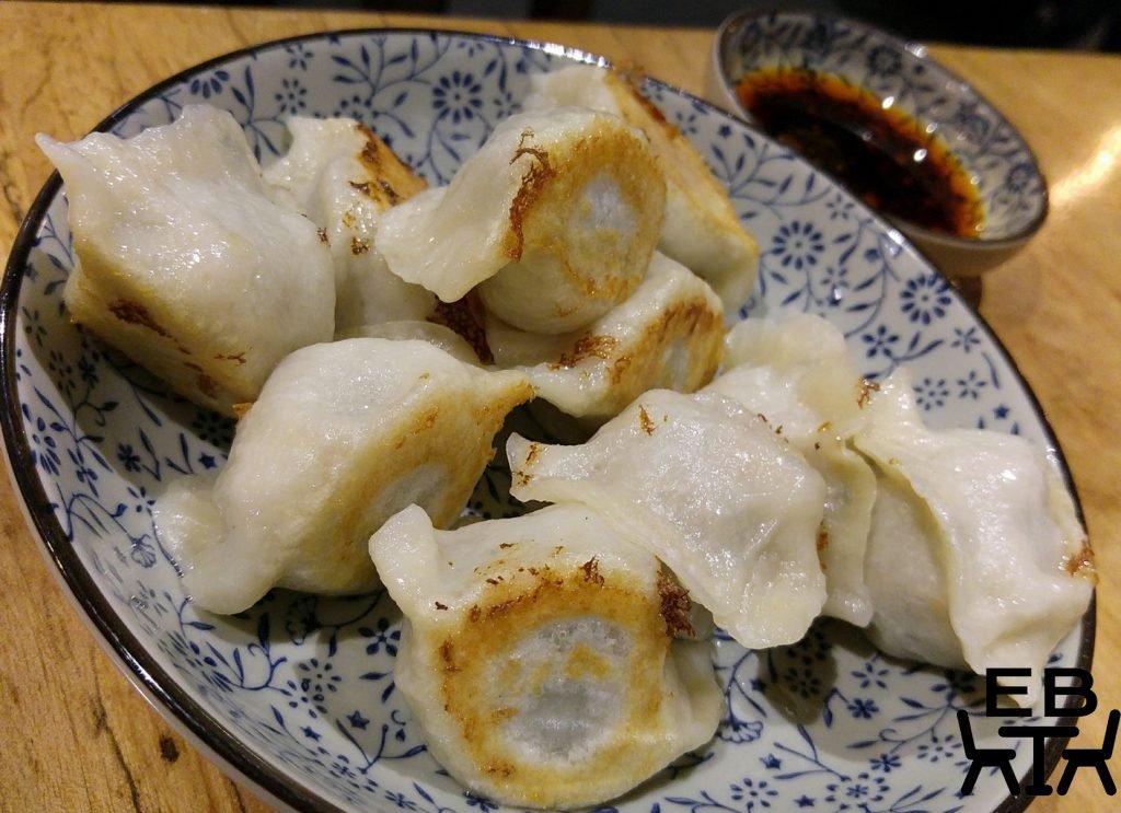 Little red dumpling fried dumplings.