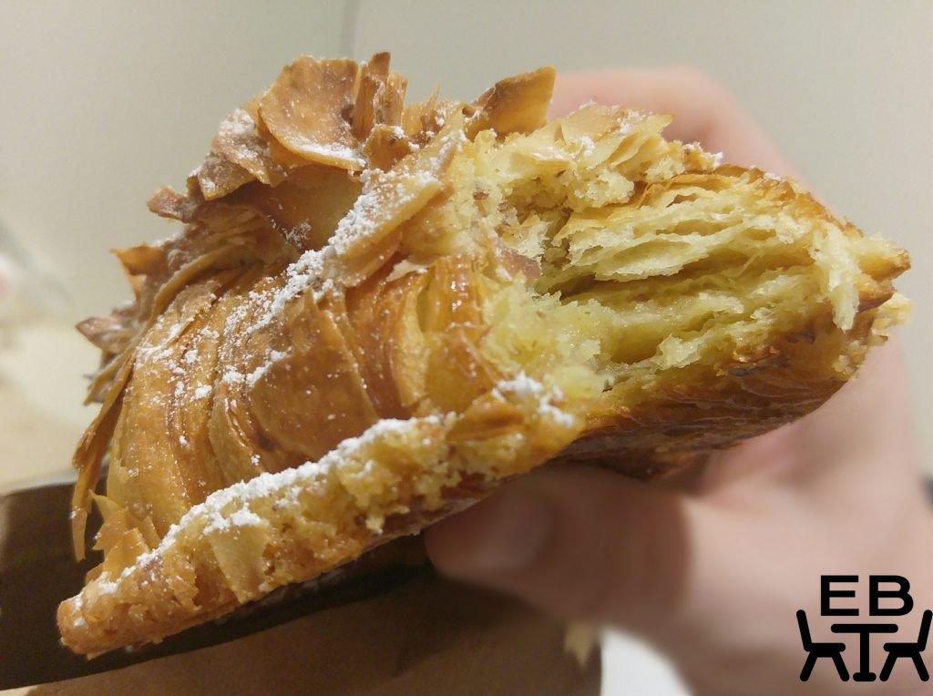 Lune Croissant coconut pandan croissant