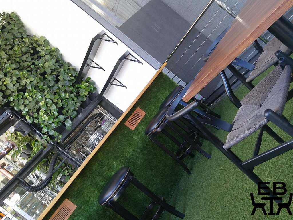Rogue bar and bistro astroturf