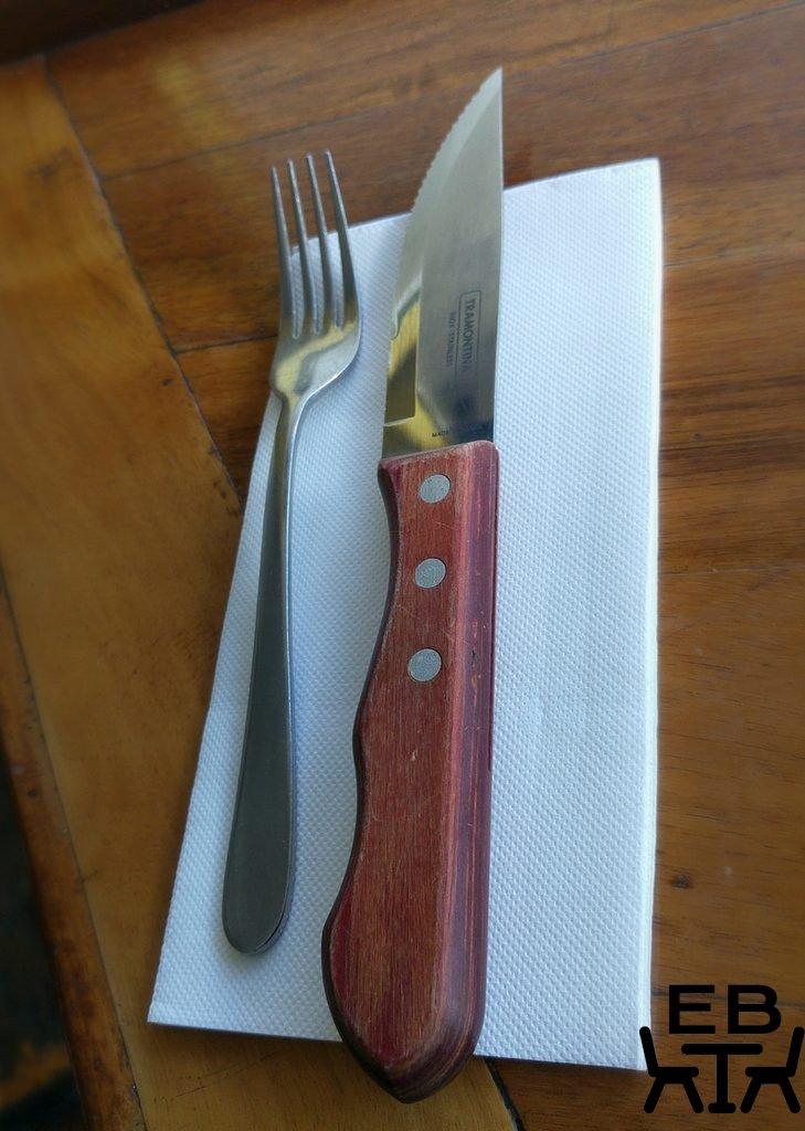 Two little pigs cutlery