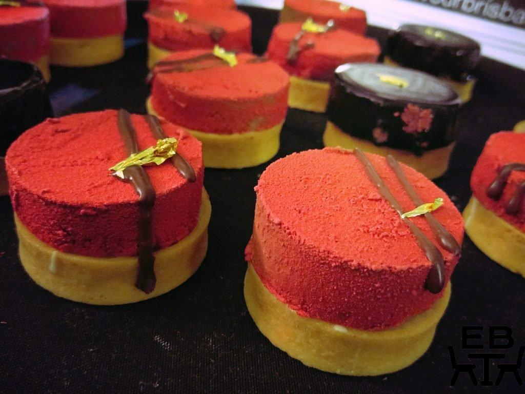 Colour me flavour cakes