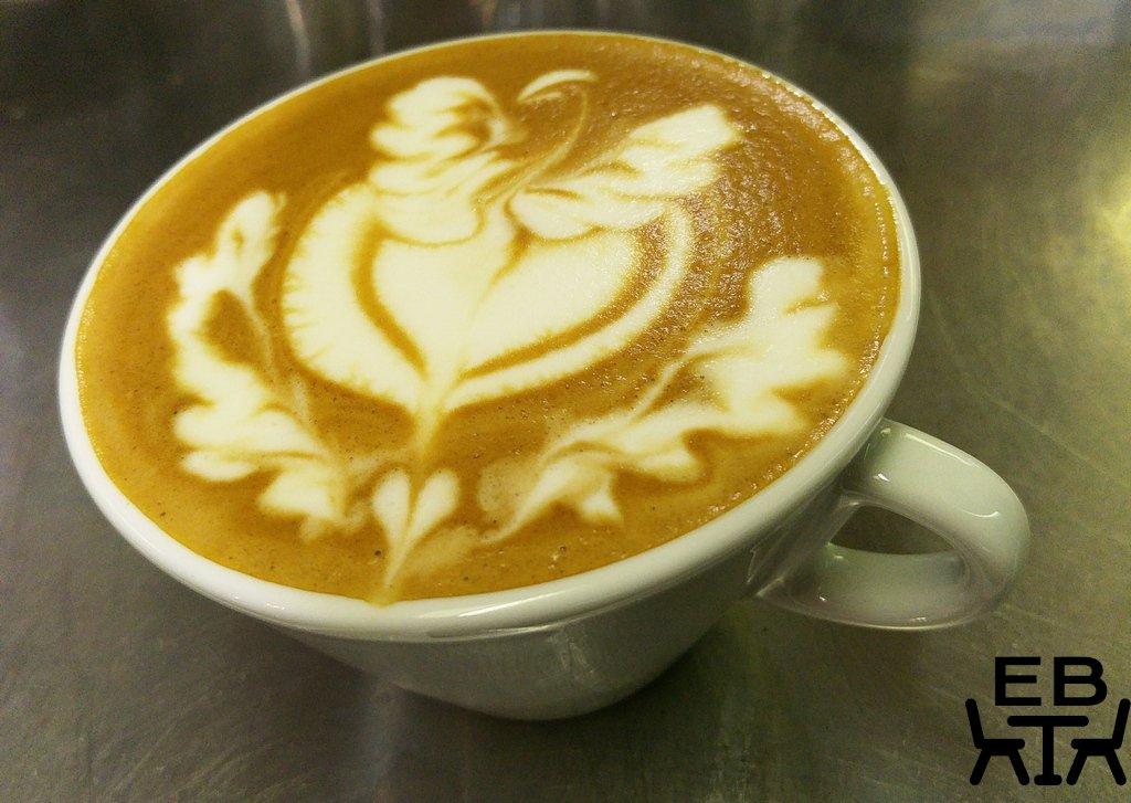 Di bella latte art.