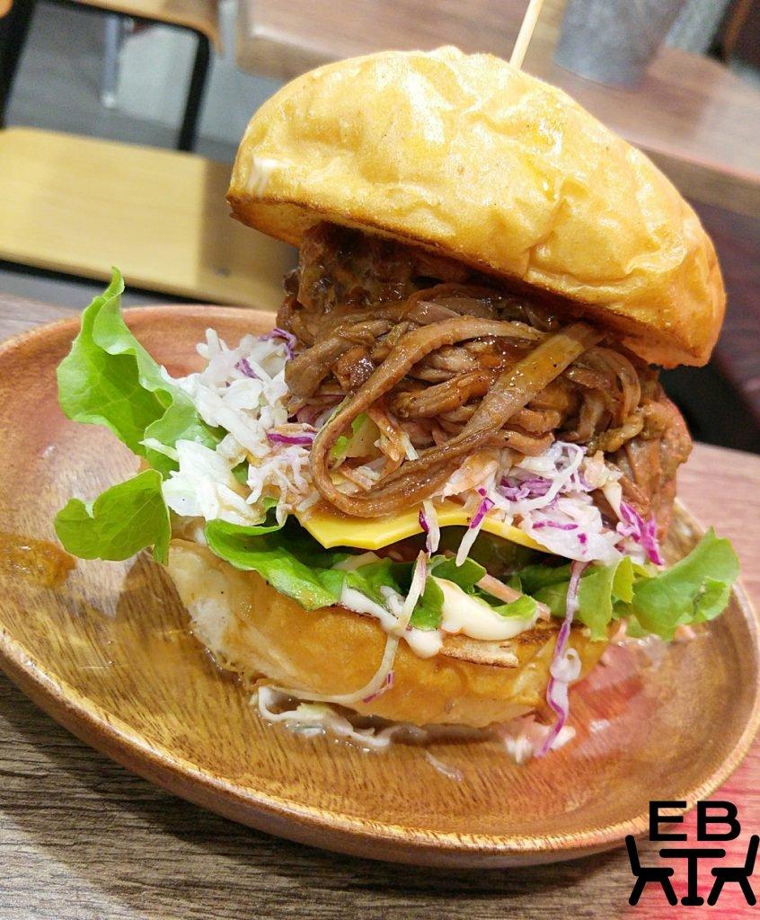 2Forks pulled beef burger