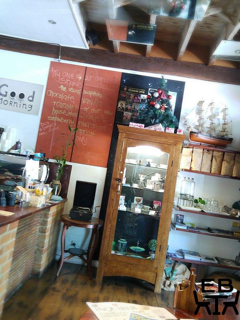 Hemingway cafe counter