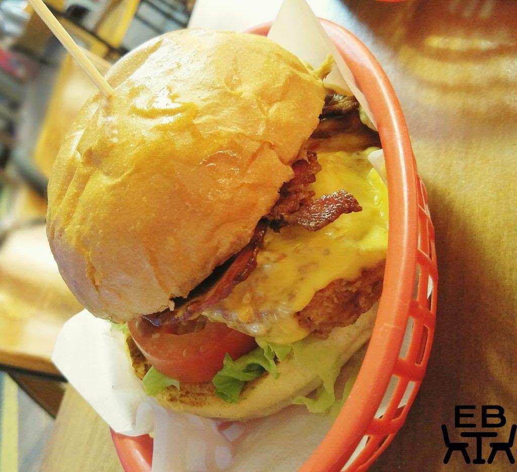 good wolf chicken burger