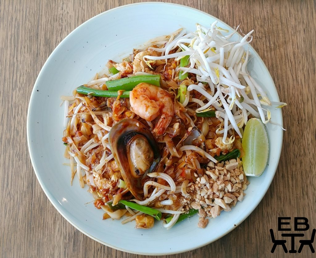 pnut street noodles windsor pad thai
