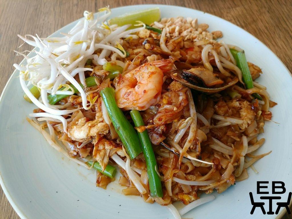 pnut street noodles windsor pad thai