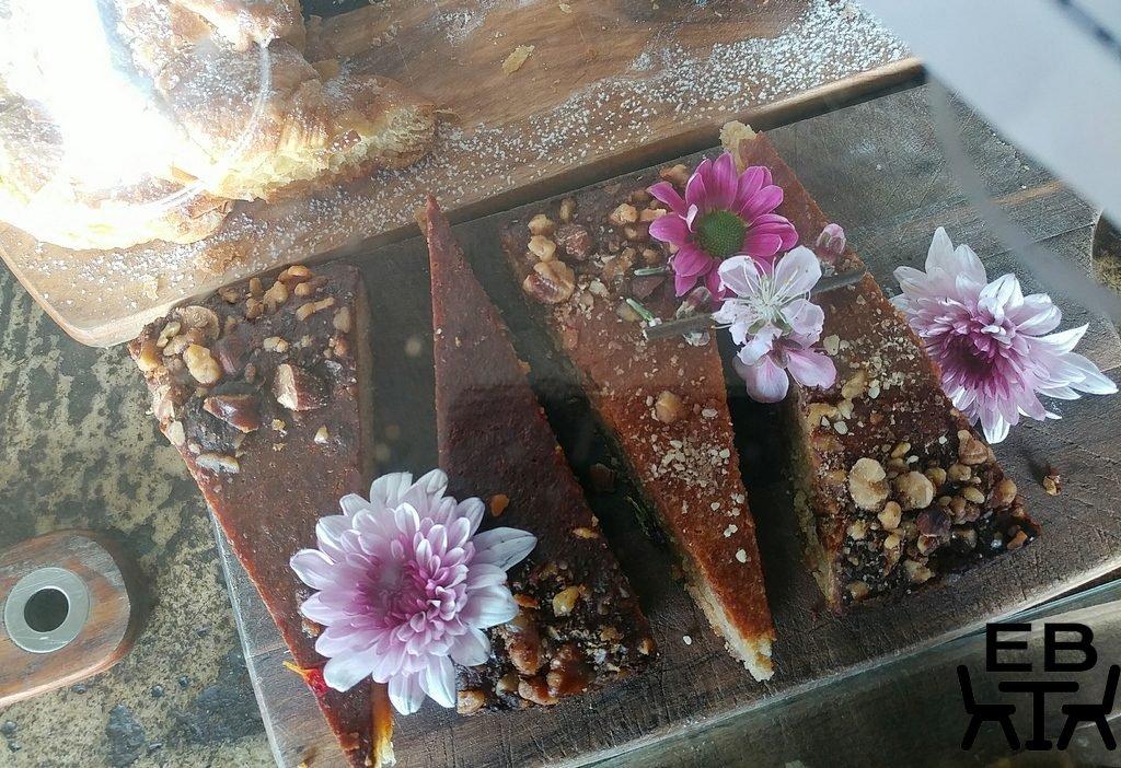 little boat espresso cakes