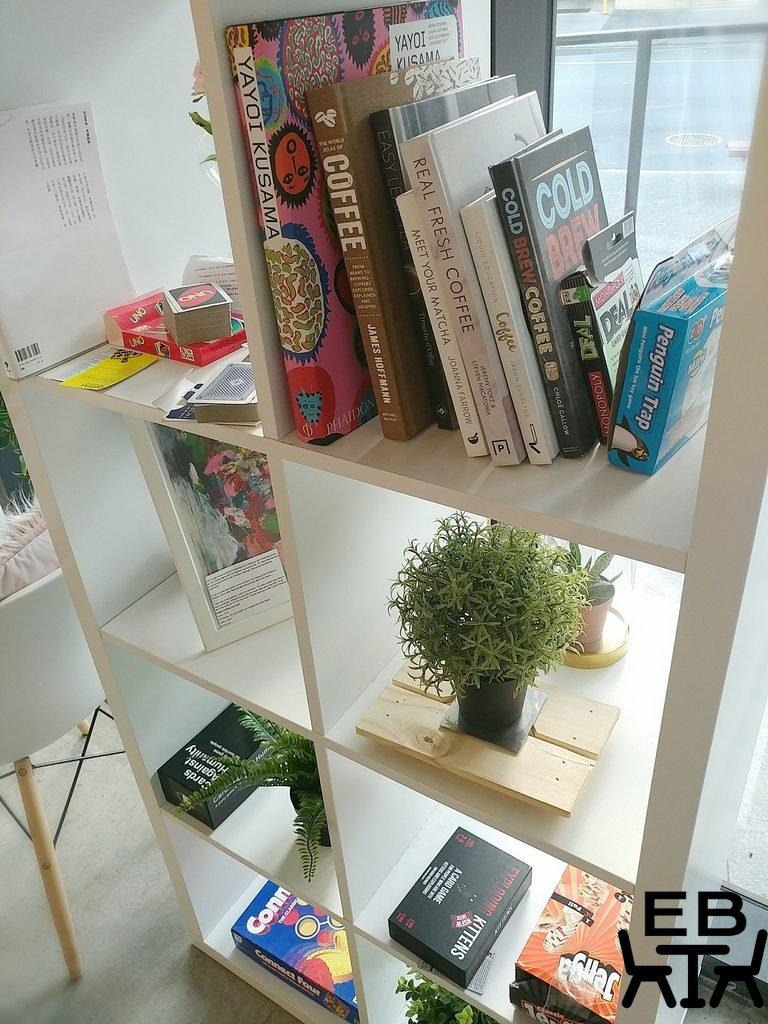 cafe artease shelf