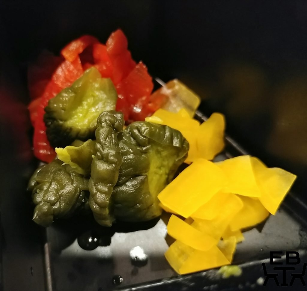 zutto bento pickles