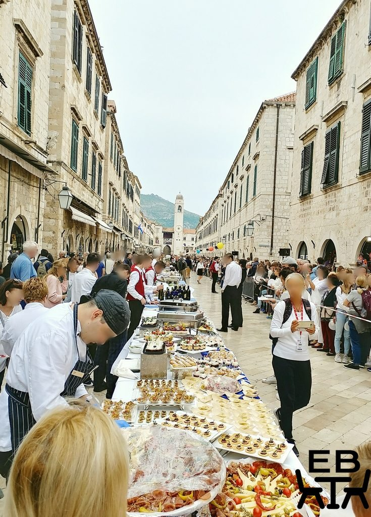 croatia dubrovnik long table