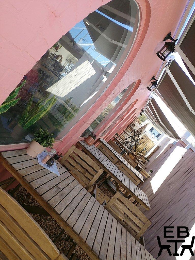 white picket fence cafe outside
