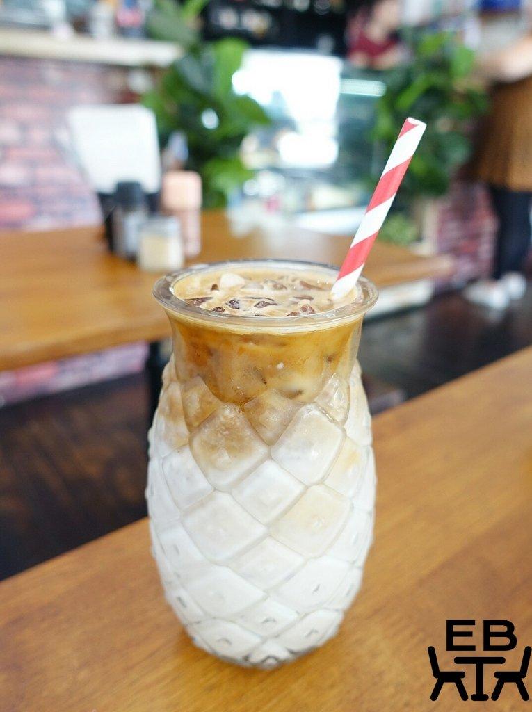 blue bear coffeehouse iced latte