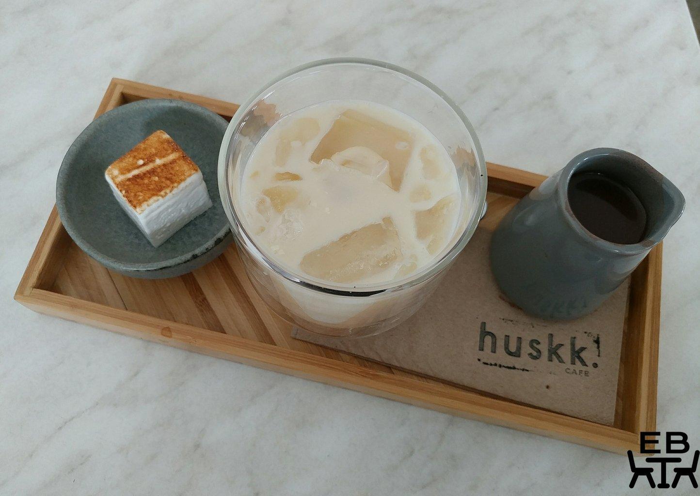 huskk cafe iced chocolate