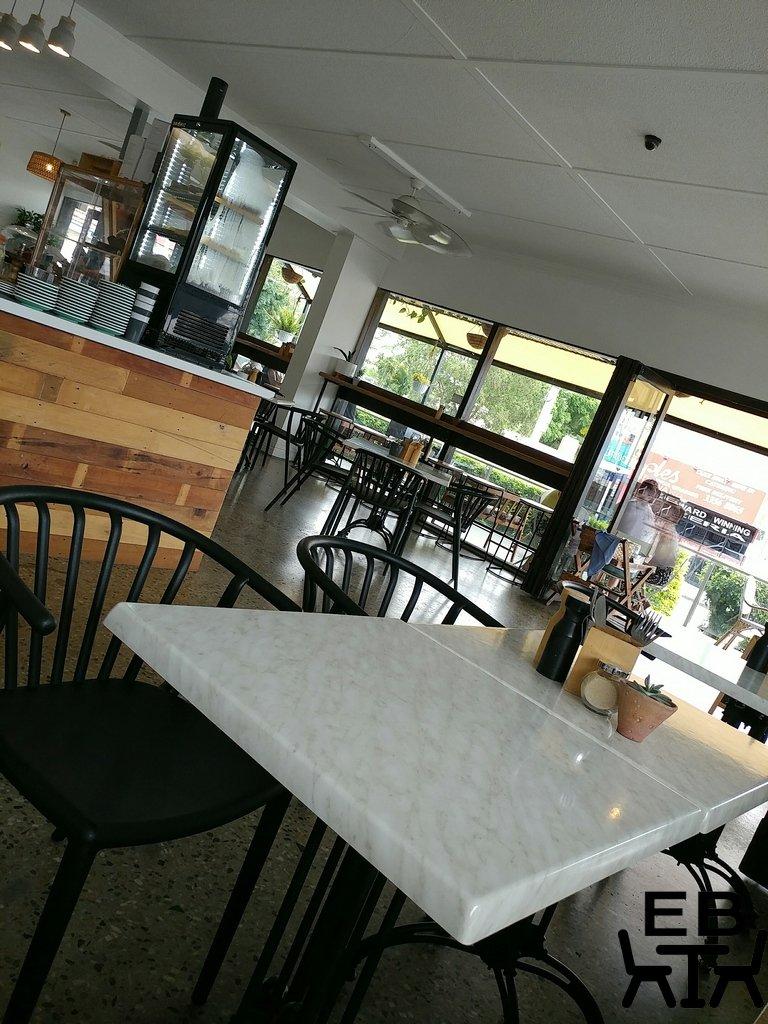 huskk cafe inside