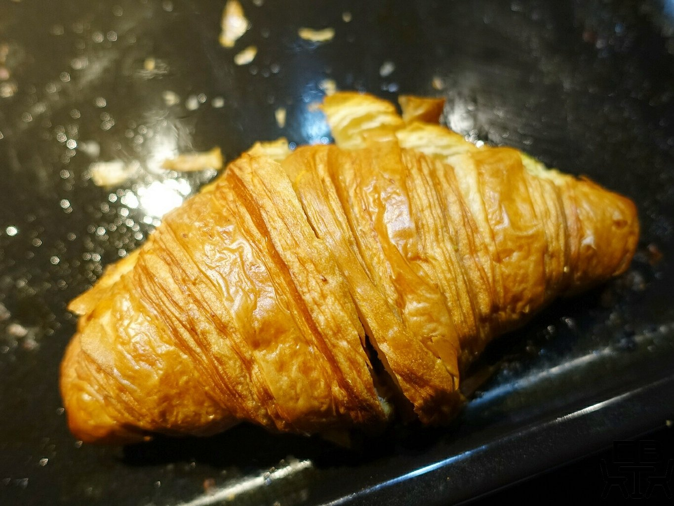 superthing croissant