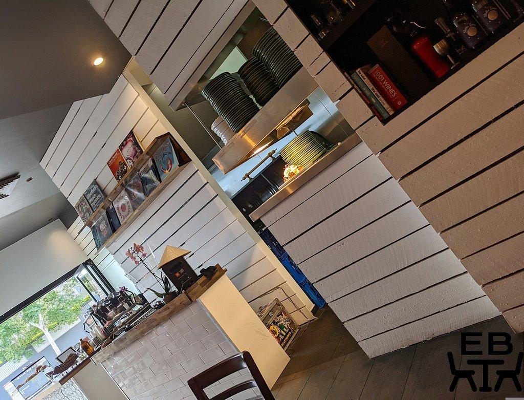 given kitchen and bar paddington counter