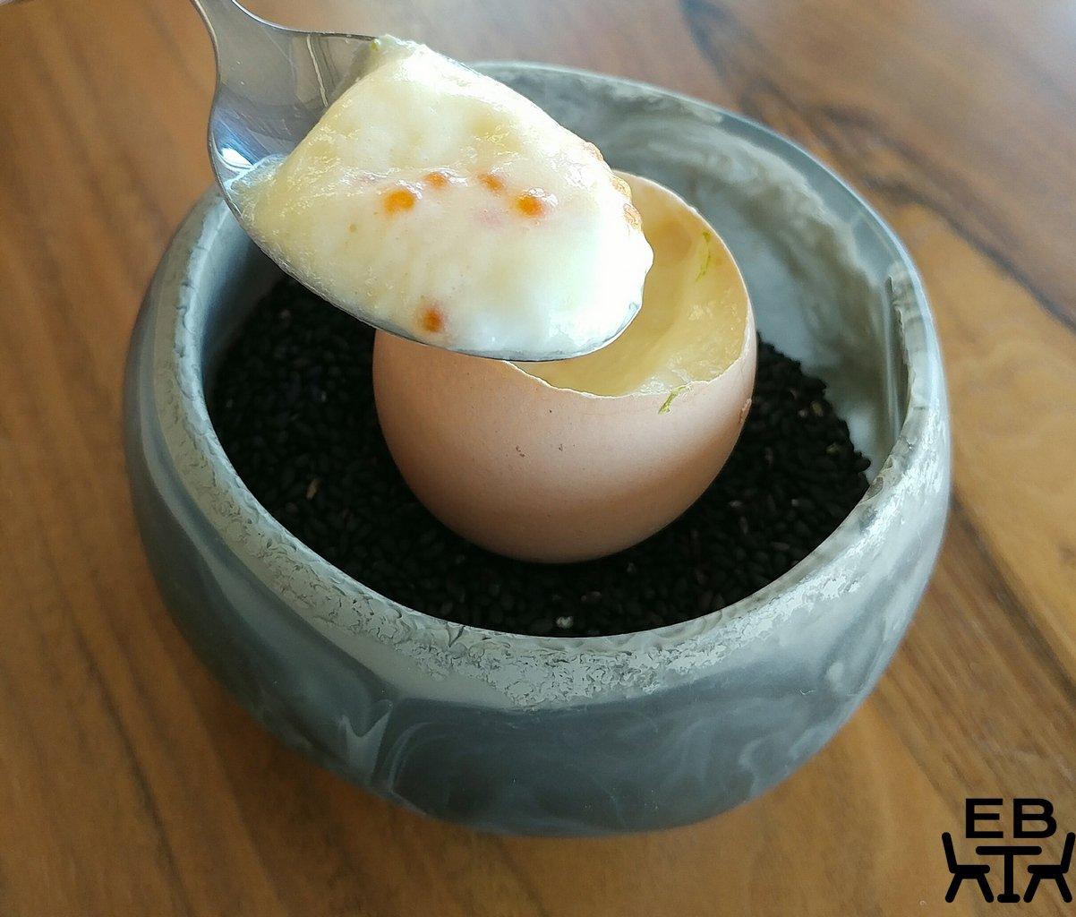 lumi dining egg