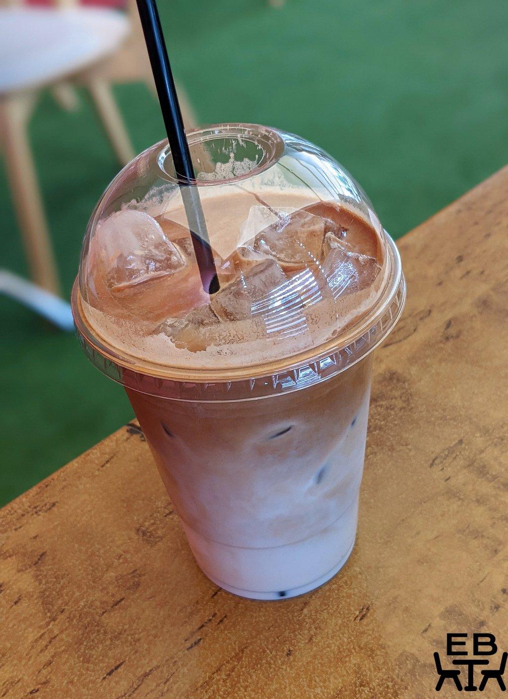 cafe 053 iced latte